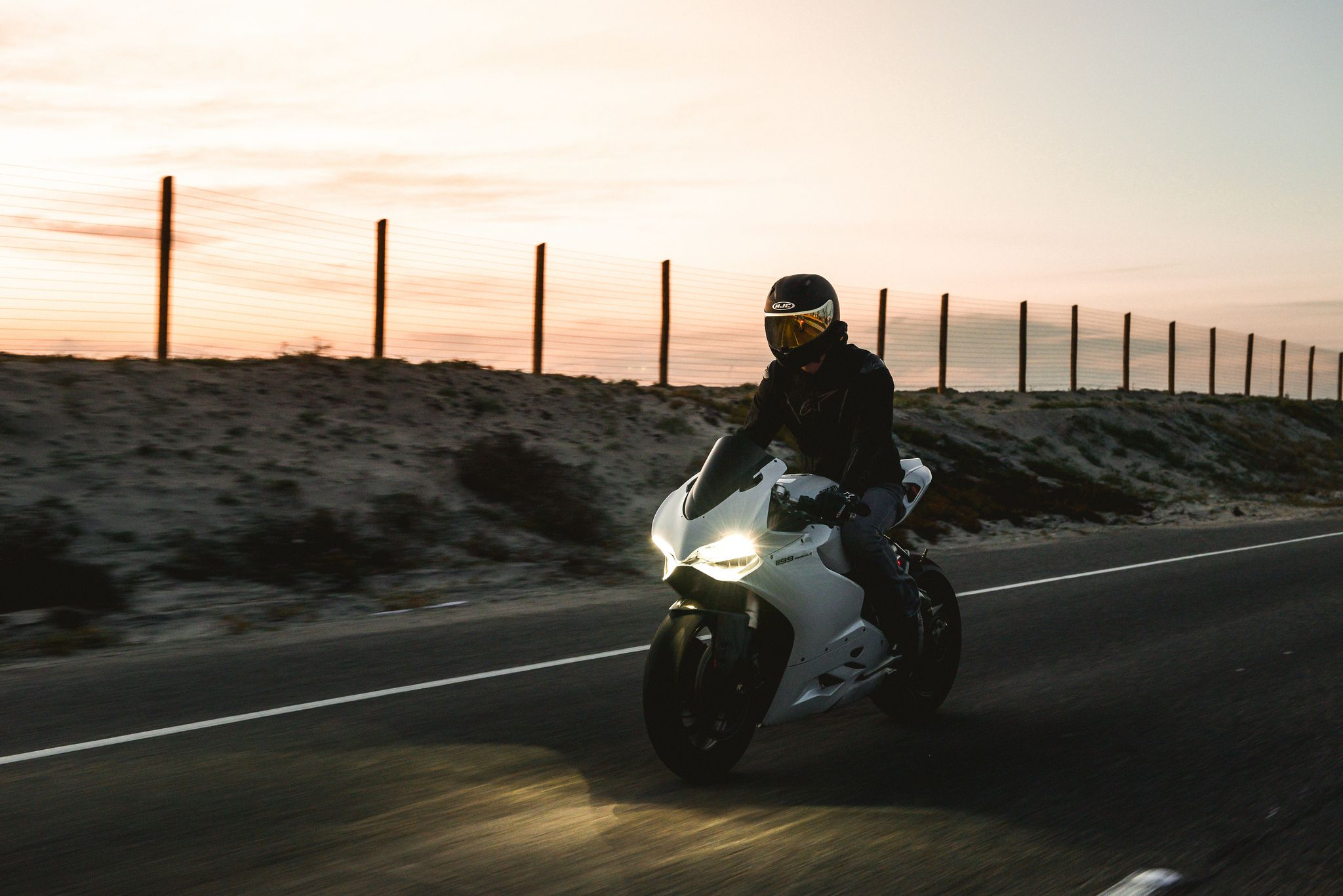 Ducati 1199 Panigale - at speed