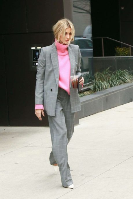 Hailey Baldwin, street style, grey suit, New York