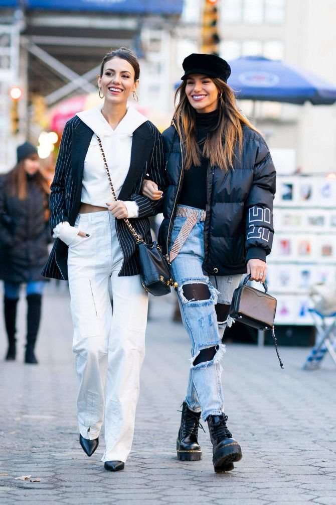 Madison Reed and Victoria Justice are walking in NY