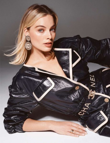 Margot Robbie with new earrings by chanel for Elle France