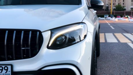Mercedes-AMG GLC 63 - headlights view
