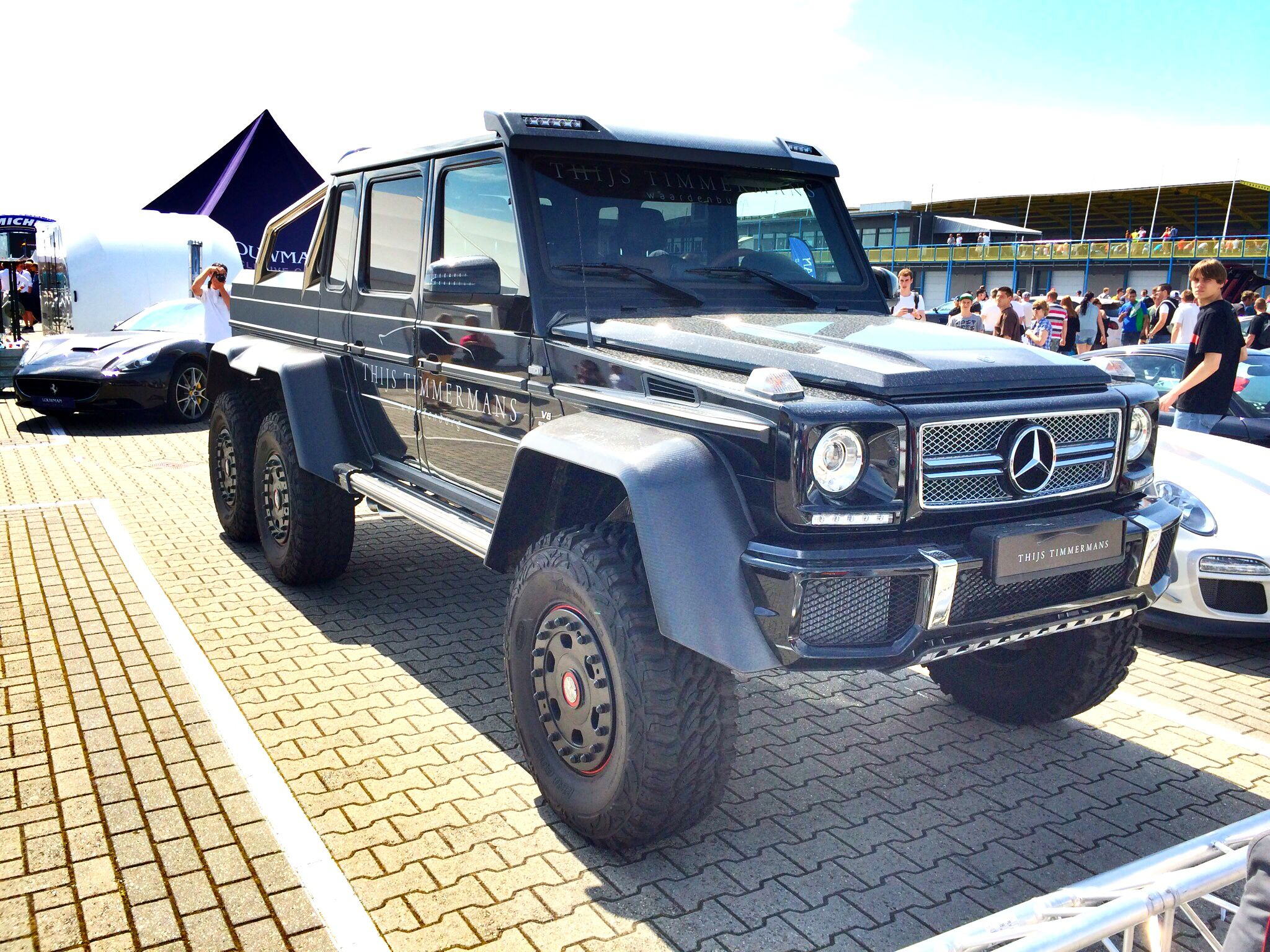 Mercedes-Benz G63 AMG 6x6 - New York 2014