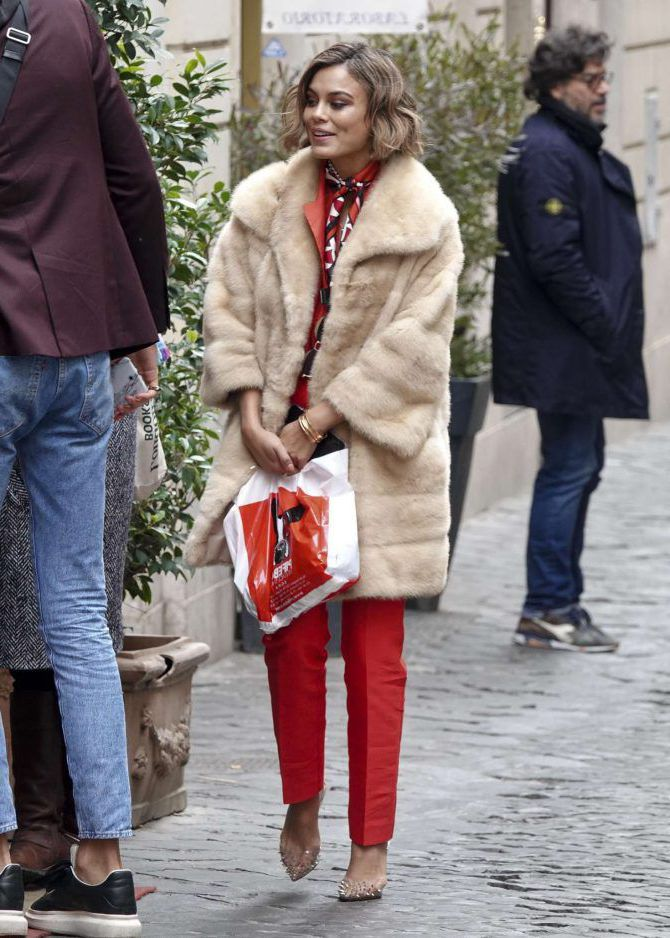 Nathalie Kelley - Fur Coat, street style in Rome