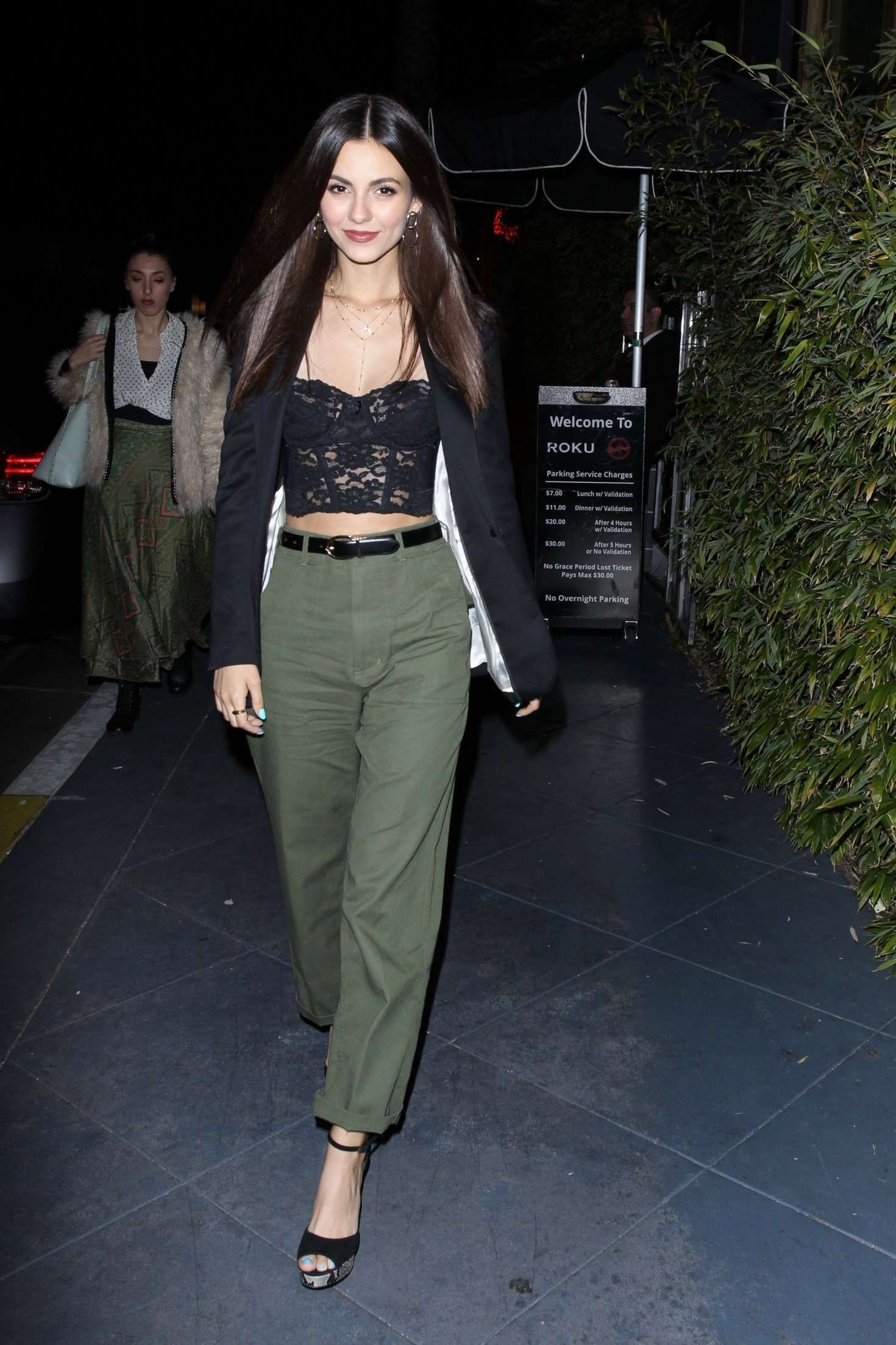 Victoria Justice in new green pants at the ROKU Sunset, 2019