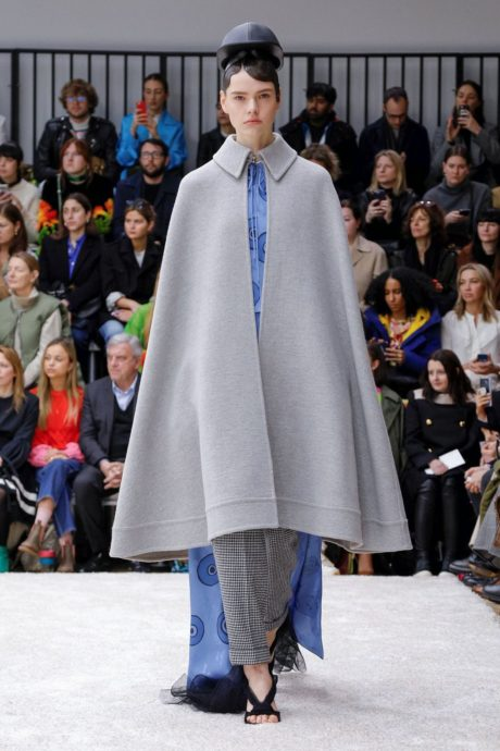 grey coat without sleeve by JW Anderson