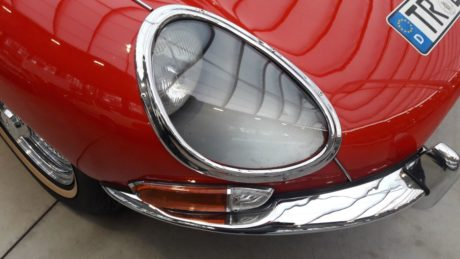 Pgoto 04: 1964 Jaguar E-Type 3.8 Coupe - headlights view