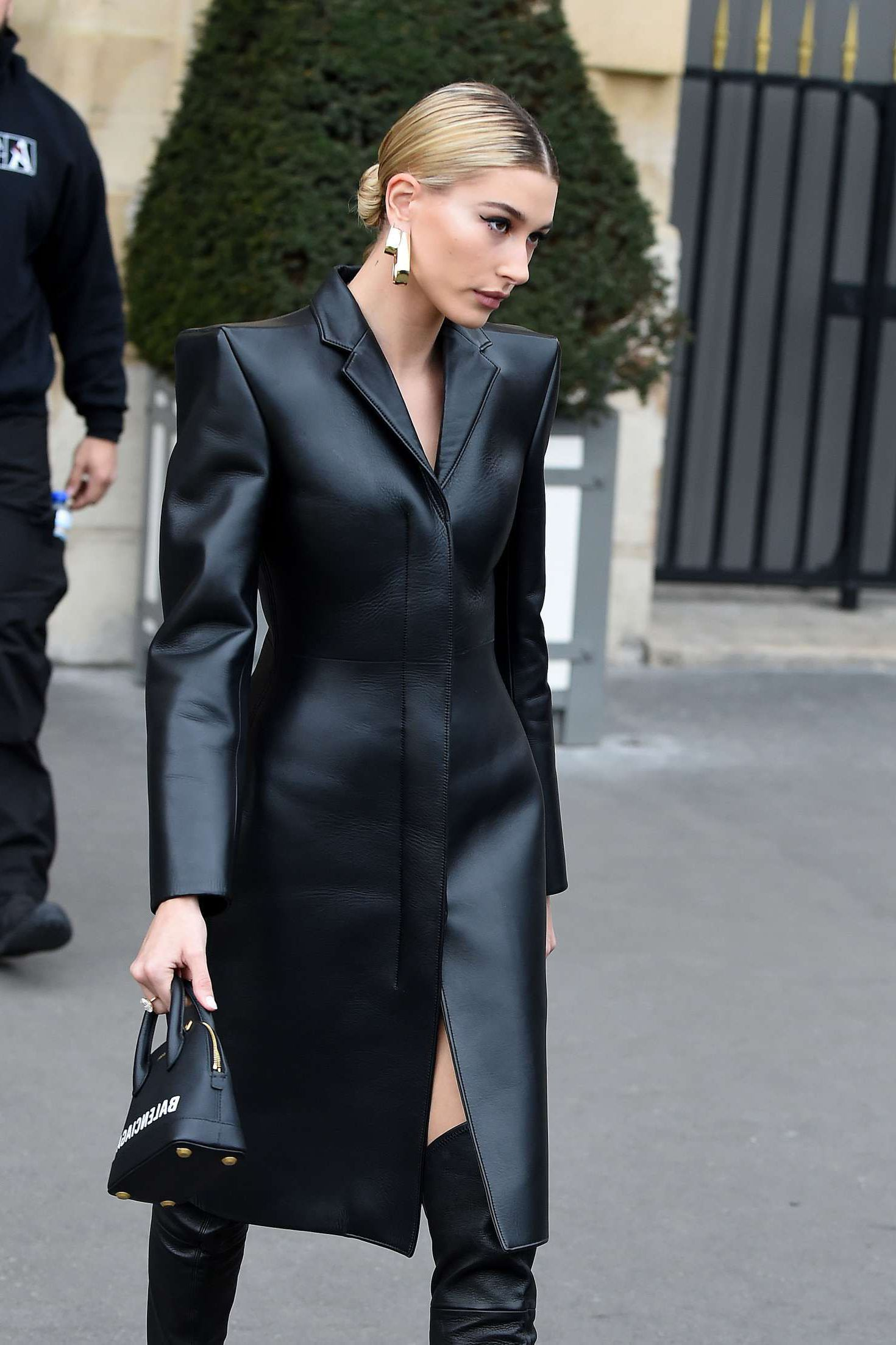 New Cars Com >> Hailey Baldwin in black leather coatl in Paris, March 2019 ...