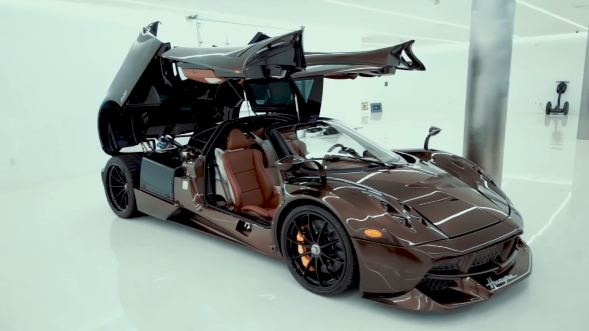 photo 08: Pagani Huayra Hermes
