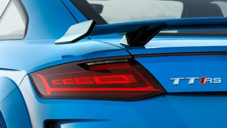 TT RS Coupé - taillights view