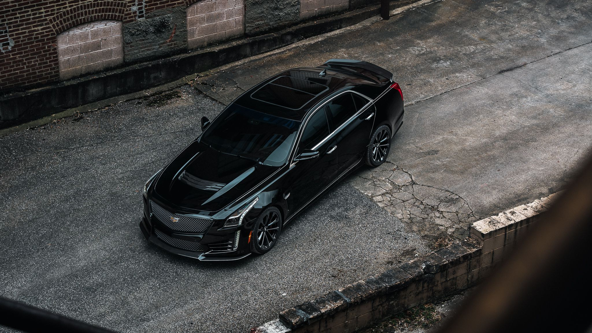 Cadillac CTS-V, luxury sedan