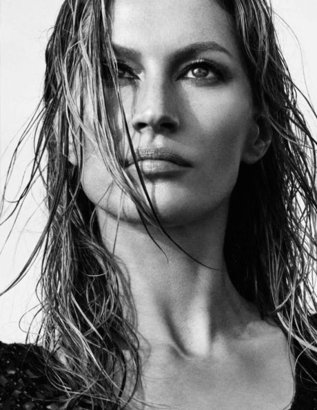Gisele Bundchen, wet hair, face in black-white
