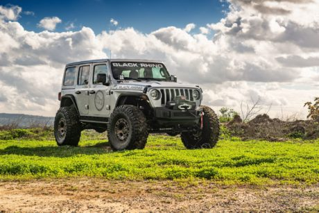 Jeep Wrangler JLU Rubicon – Gray SUV at Offroad