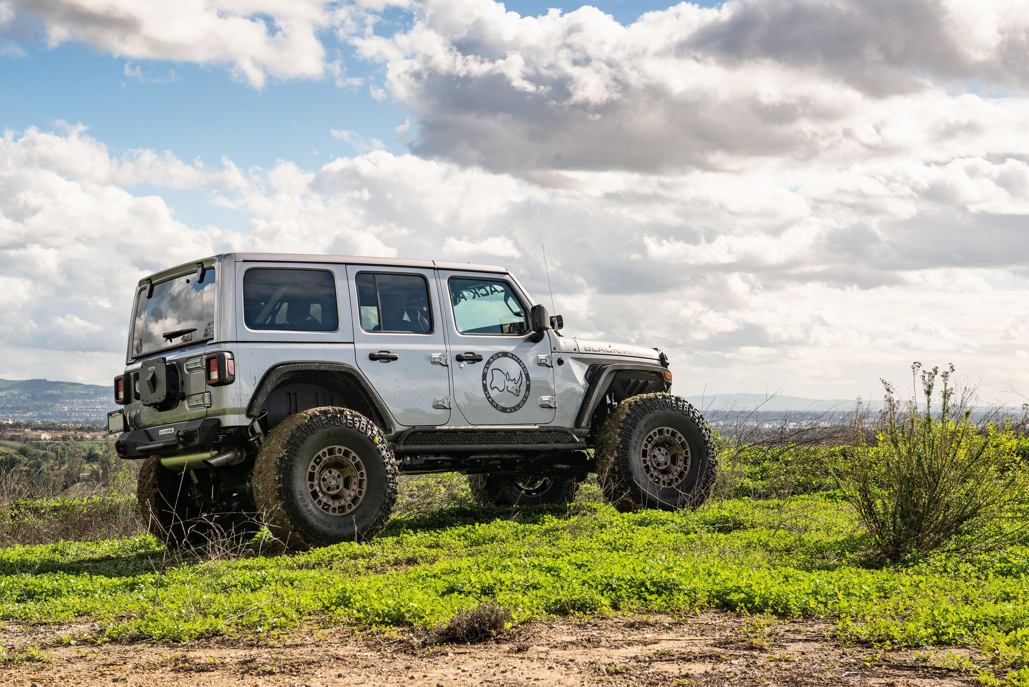 Jeep Wrangler JLU Rubicon in gray colour
