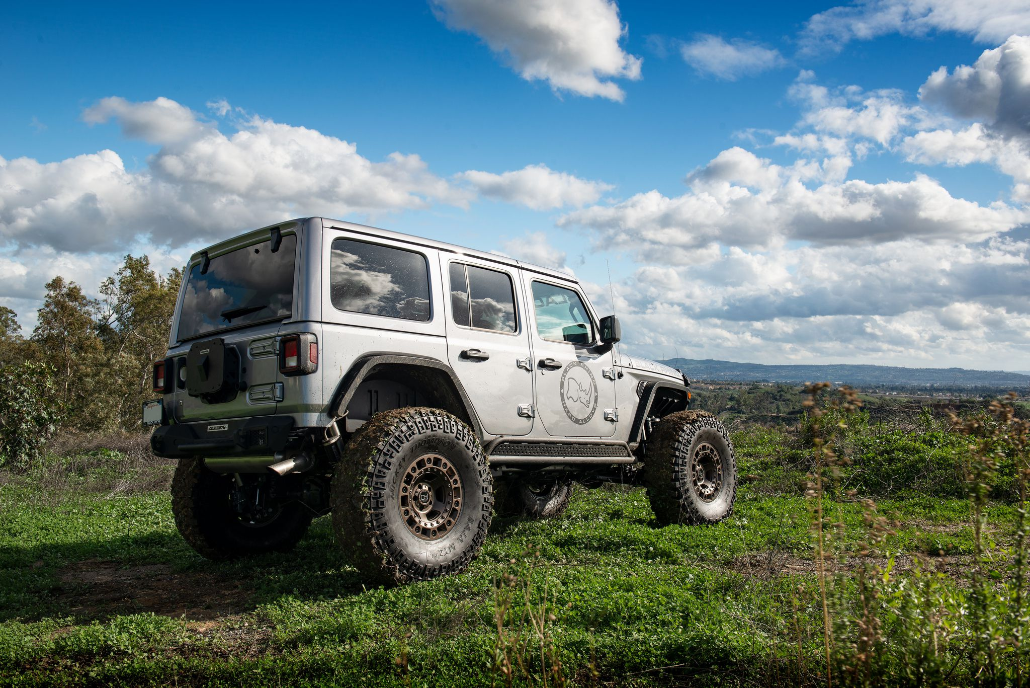 Jeep Wrangler JLU Rubicon - Gray SUV at Offroad