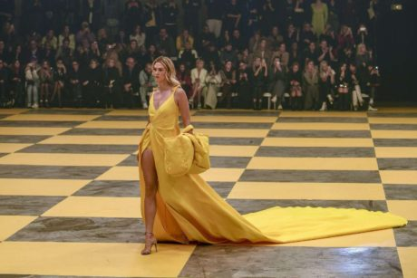Karlie Kloss in long yellow dress at the Off-White Women's Runway Show in Paris, 2019