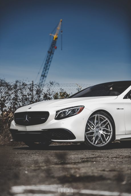 Mercedes AMG S 63, white colour, iPhone theme