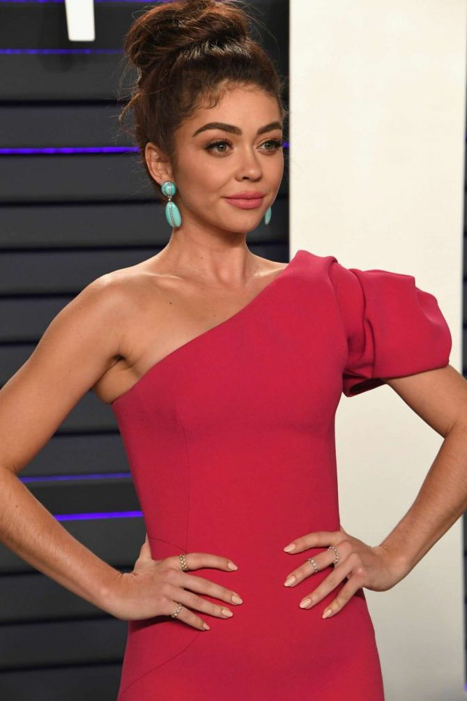 Sarah Hyland, cute actress at the Vanity Fair Oscar Party in Beverly Hills, 2019