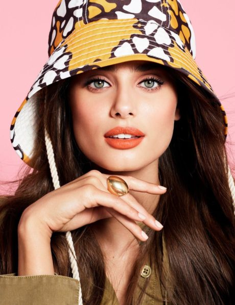 Taylor Hill red lips