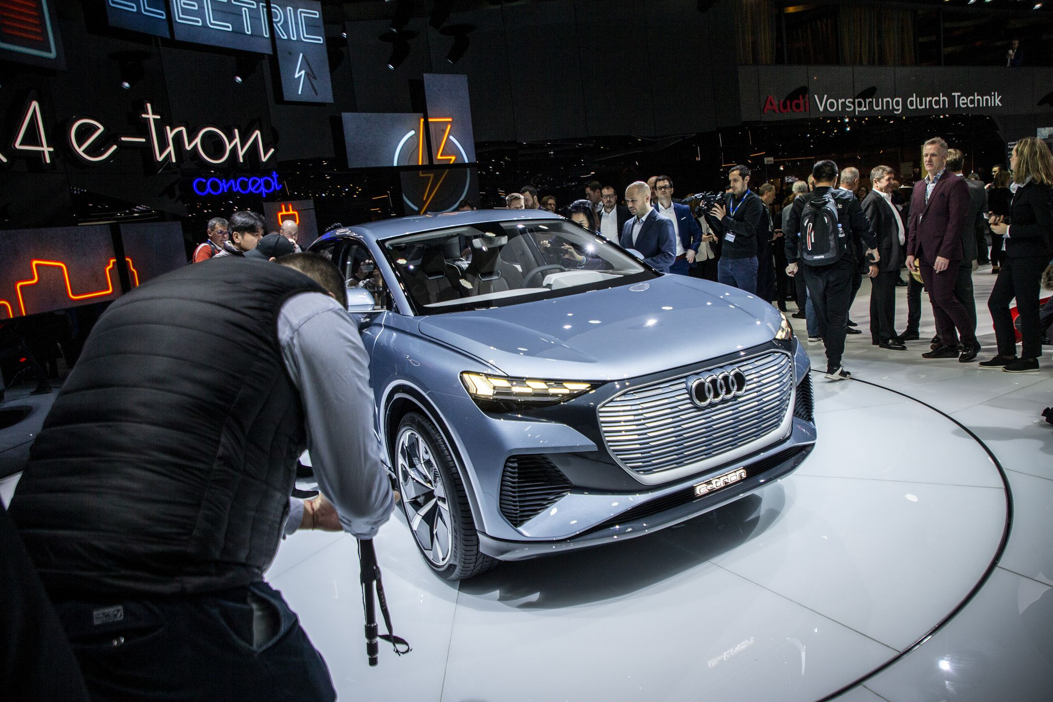 audi Q4e-tron concept - new electric car