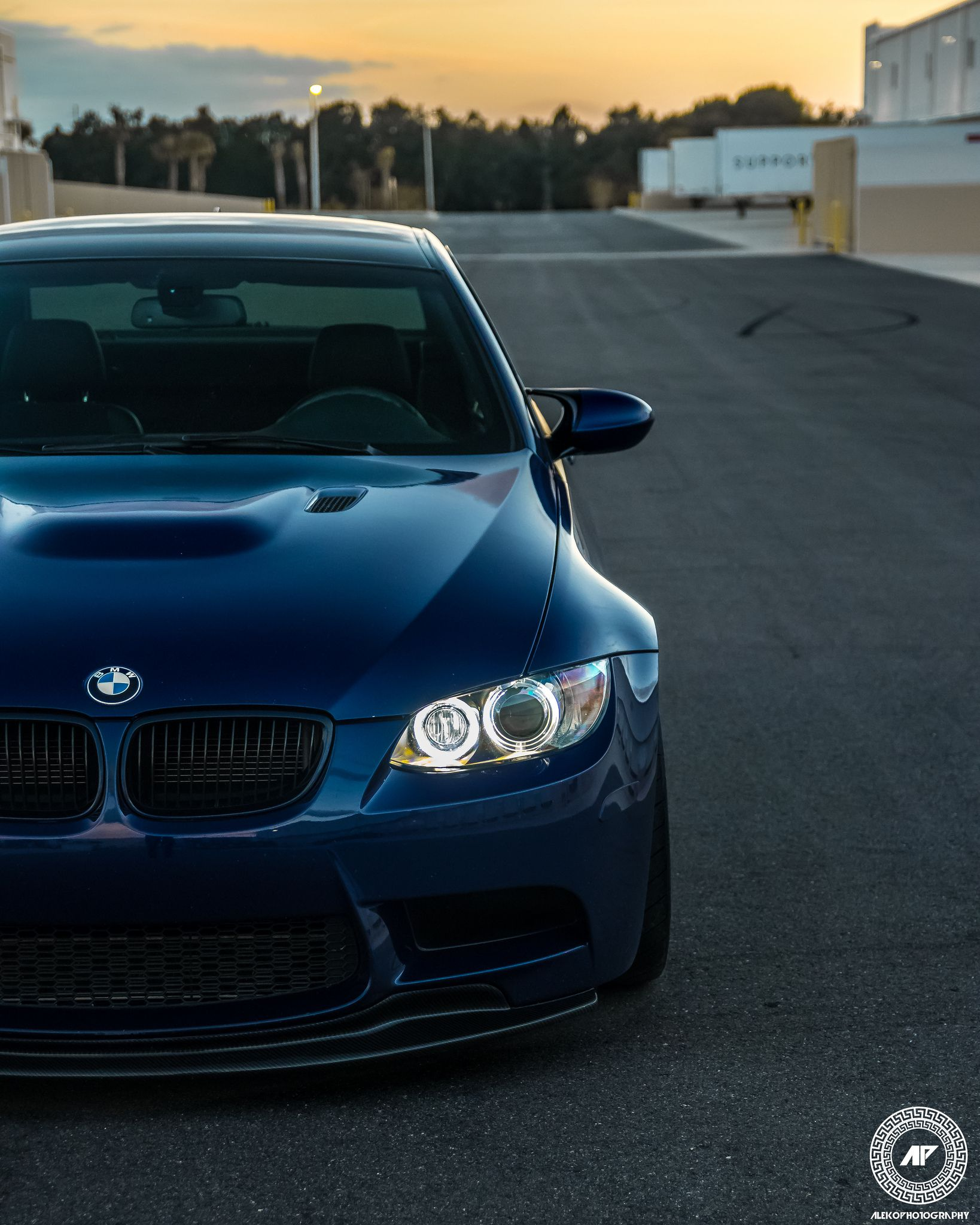 lowered BMW M3 E90 in blue colour